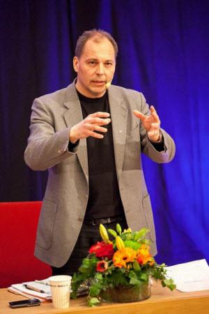 Hans-Erik Frölander, psykolog på resurscenter dövblind och doktorand vid Örebro universitet.