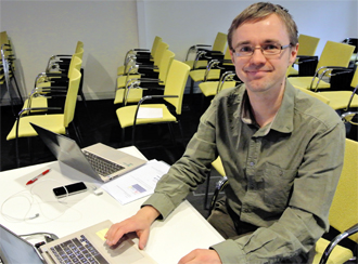 Johan Nyman, IT-pedagog, har tagit fram distansutbildningen