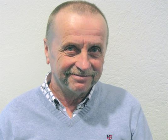 PO Edberg har ett förflutet som hörselpedagog, projektledare och konsulent på Nationellt Kunskapscenter för Dövblindfrågor.