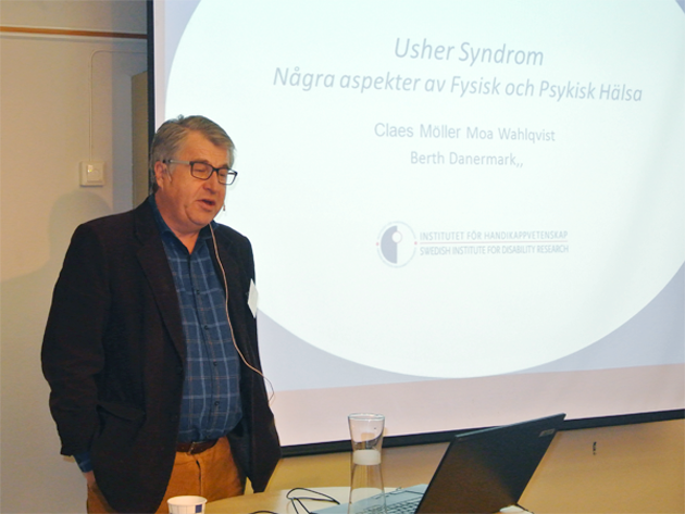 Professor Claes Möller föreläser.