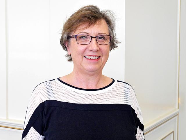 Det sista personalen vill är att fråga hur de äldre vill ha det, säger Lieve Roets-Merken, forskare vid holländska Kalorama.