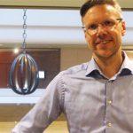 Ronnie Widmark, kurator vid dövblindteamet i Stockholm.