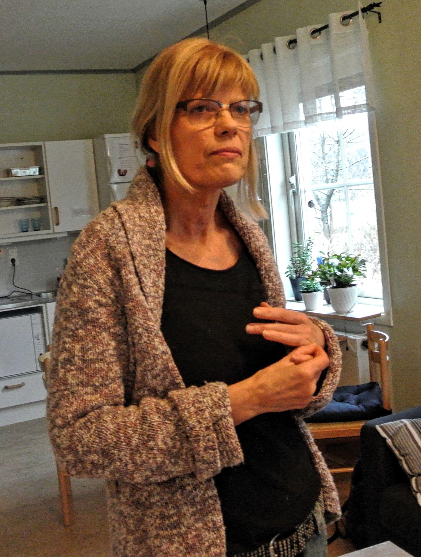 Kjersti Larsson funderar på hur Mikas problem ska lösas