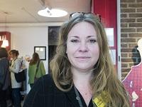 porträtt Annika Börjesson, långt ljust hår.