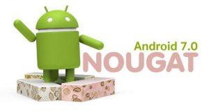 En android som står bland nougatbitar